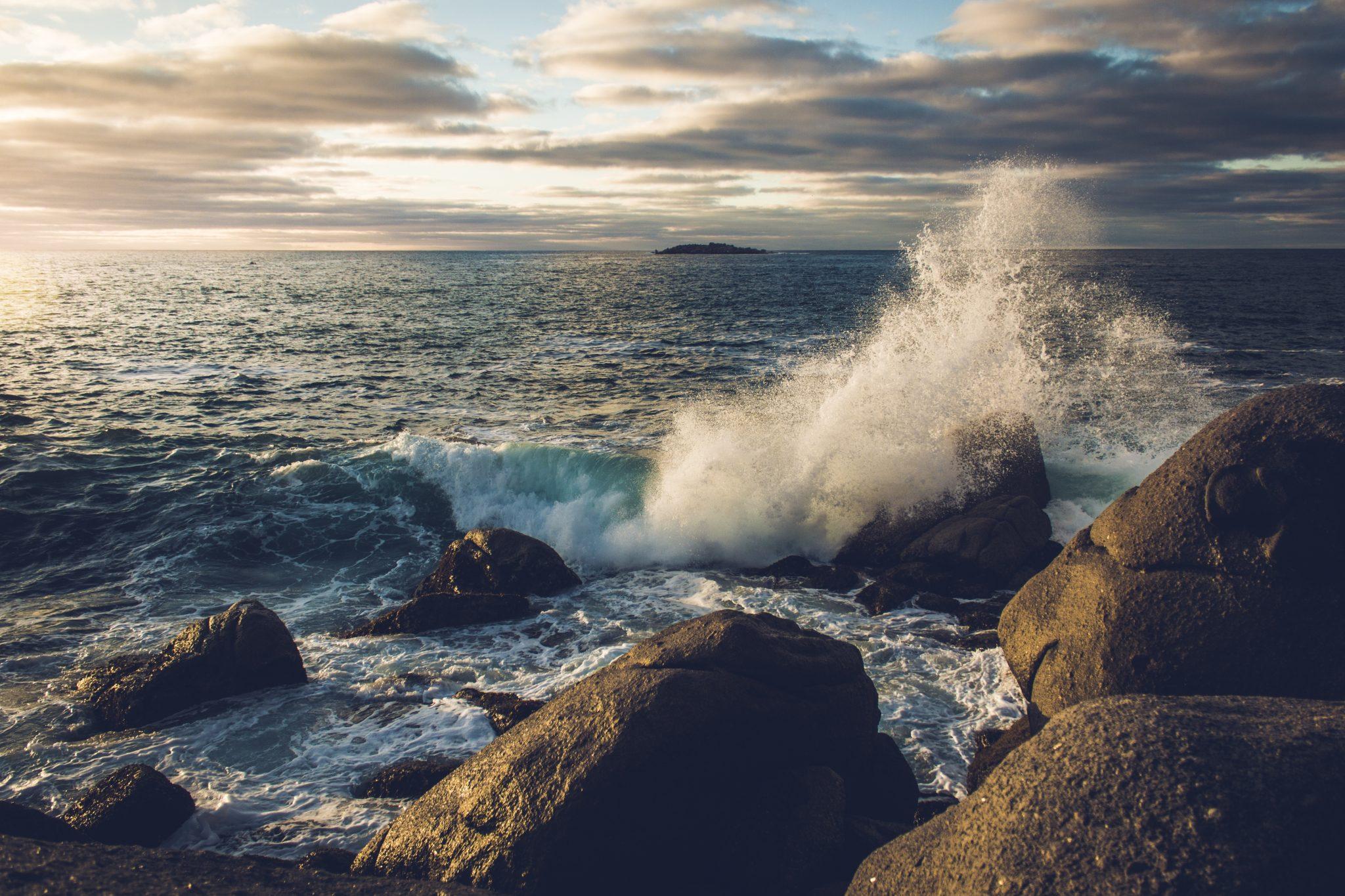 surf rocky shore